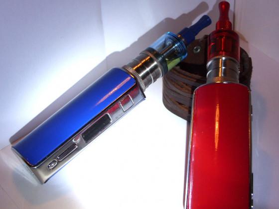 Uralte iStick60-Dampfen farbenfroh beklebt